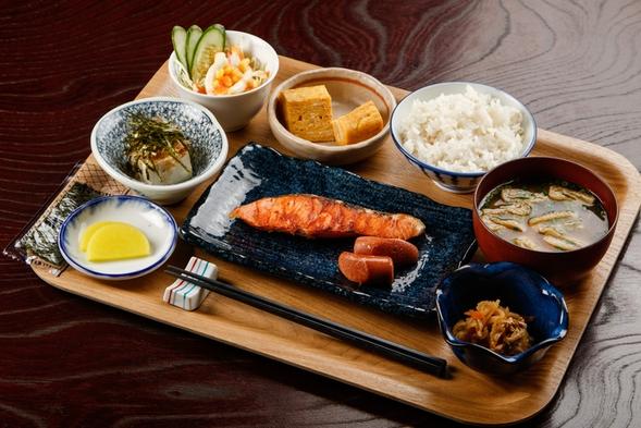 【夏秋旅セール】ご朝食付きプラン♪ホカホカの焼きたて焼魚★