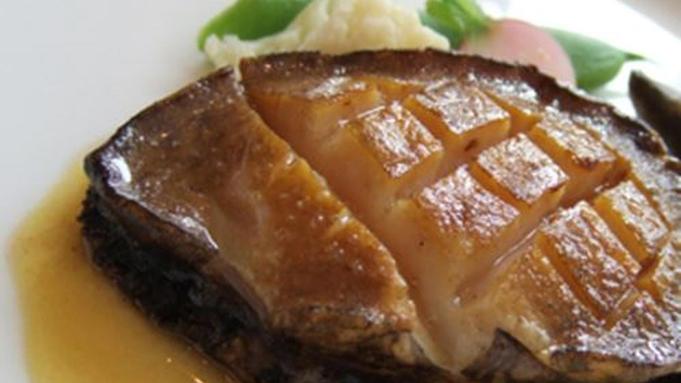 【夕食はお部屋でお約束!】A5ランク鳥取和牛ステーキ・のどぐろ&日本海の旬魚姿盛りで夕食は豪勢に