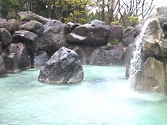 赤倉温泉露天風呂「滝の湯」
