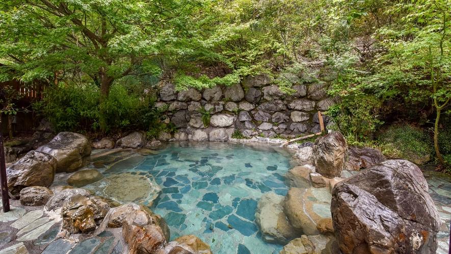 *露天風呂/山の音、風の音を感じながらごゆっくりお寛ぎください。