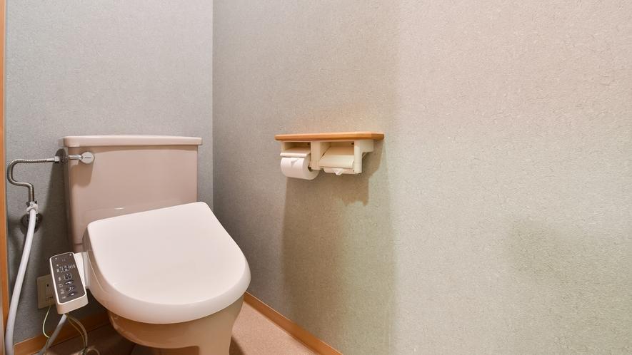 *西館和室/部屋のトイレはウォシュレット機能が付いております。