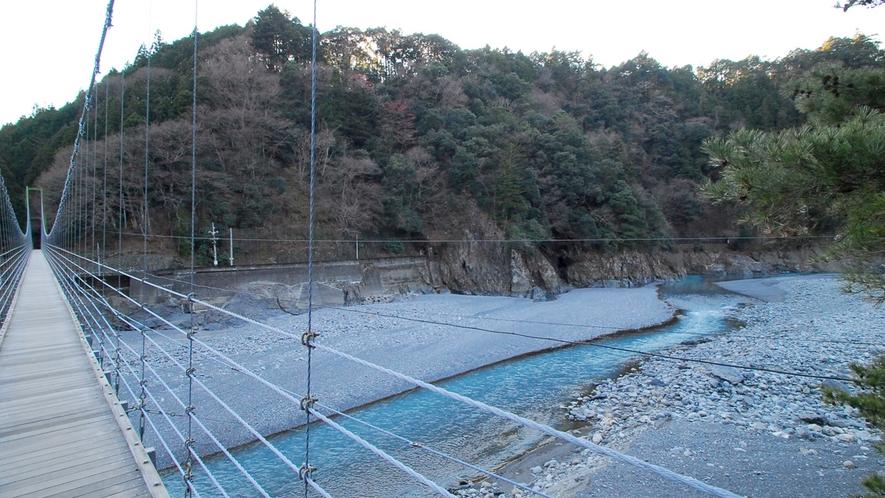 *川根両国つり橋/自然が作った無二の景色をお楽しみください。