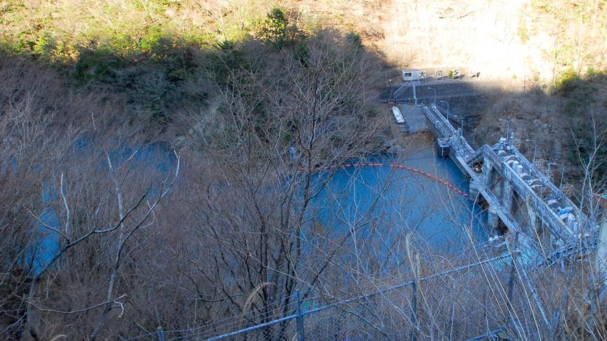 *大間ダム湖/緑豊かで四季の風景が美しい大間ダム。