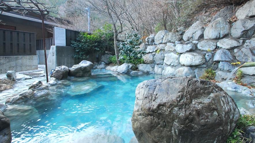 *露天風呂/男女別の趣向を凝らした露天風呂。