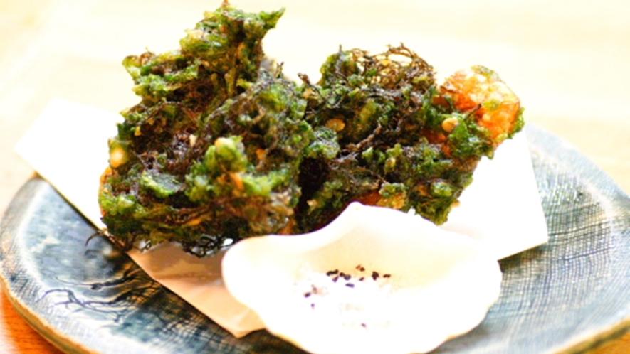 *もずくとアーサーの天ぷら(1階平家亭での料理の一例です。)
