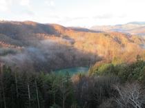温泉に入ってこんな景色を見てください。
