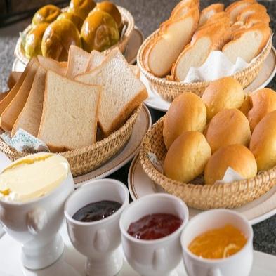 【人気】★種類豊富な朝食ビュッフェ付きシンプルステイ(2〜4名様利用)