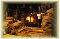 心をつなぐ暖炉の明かり