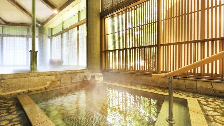 【3階 大浴場・楽山】大小様々な湯船で癒しのひとときをお愉しみください。