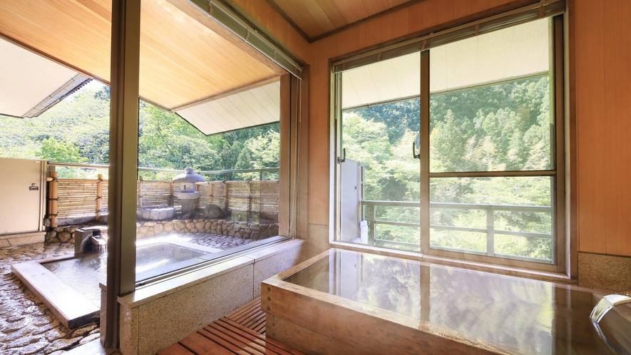 【プレミアムスイート】お部屋で源泉かけ流しの湯を内湯・露天どちらでもお愉しみいただけます。