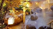 ●1階露天風呂「桃里の湯」(秋)