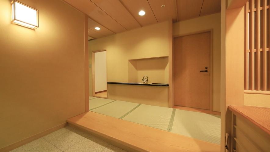 【プレミアムスイート】和の趣を大切にした客室玄関