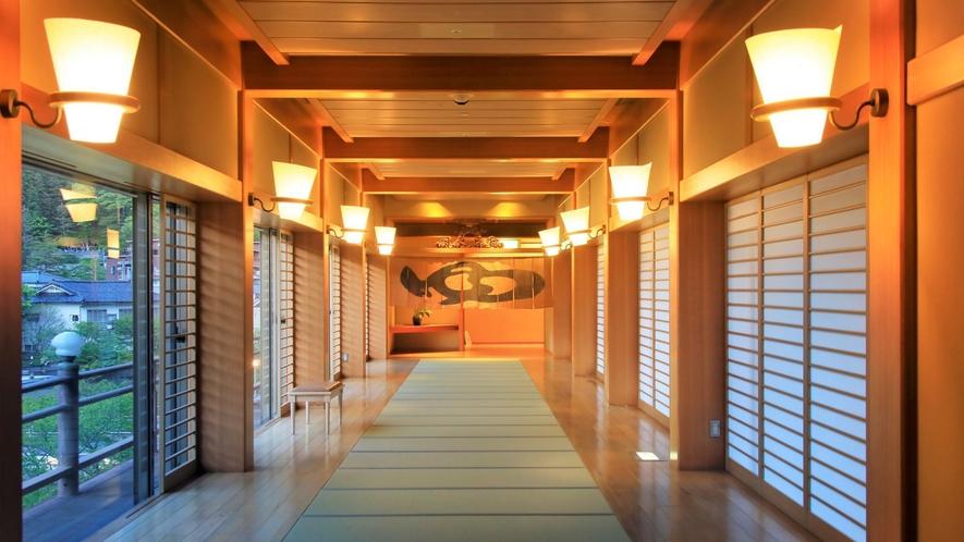 【渡り廊下】3階大浴場へ続く畳敷き廊下