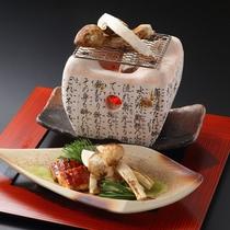 【国産松茸炭火焼き】松茸を最も贅沢に楽しめる旅館ならではの一品
