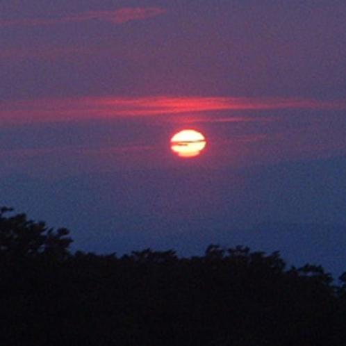 *夕日/美しく空を染めるサンセット