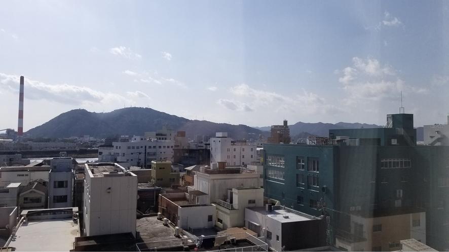 部屋から街側の景色