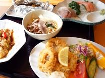 【夕食】道産食材にこだわった「北の恵み愛食レストラン」認定の自慢のご夕食をどうぞご堪能ください。