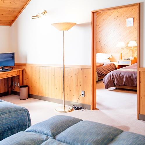 【部屋】フォース:お部屋はコネクティングルームとなっており、ドアで2部屋に区切られます。