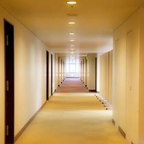 館内一例:客室フロアーの廊下