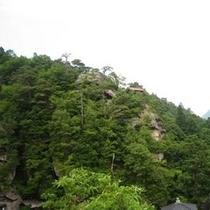 山寺「立石寺」 芭蕉の句「静けさや 岩にしみいる 蝉の声」