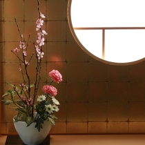 本館・菊の時季フロア「菊万葉」(半露天風呂付きタイプ)しつらえ一例
