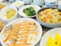 【朝食バイキング】一日の元気の源は朝食。当館から元気な一日をスタート!