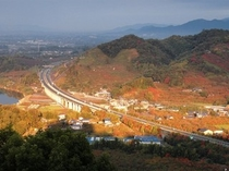 ホテルロビーから望む【秋】の風景