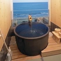 【露天付和室例】大名露天風呂例、畳の上で入浴できます。