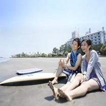 【青島海岸】遠浅のきれいな砂浜で二人で遊ぼう!