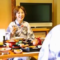 【お部屋食一例】お部屋食プラン。人数によっては別個室でのご提供となります。