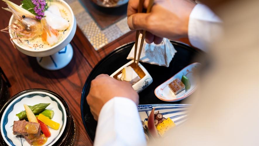 """【料理イメージ】ひと品、ひと品...順を追って運ばれてくる""""会席料理ならではの愉しみ""""を。"""