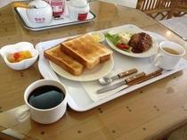 日替わりの朝食の一例