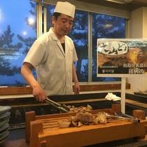 4月からのディナービュッフェのパフォーマンス「大山鶏の網焼き」