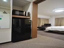 ◆電子レンジ&冷蔵庫 スーペリア デラックスツイン トリプルルームの全部屋に設置