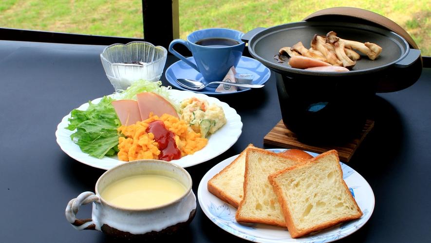 和と洋の選べる朝食(^♪朝はしっかり食べましょう♪♪