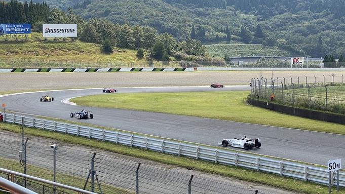 観戦・参加に◎オートポリスまで車で15分!モータースポーツを楽しもう♪