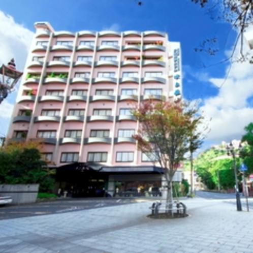 照国神社の鳥居が目印のホテル吹上荘