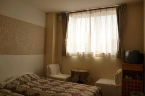 ツインベットの洋室、バストイレ、無線LAN(ペット不可)