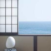 海を一望できる和室