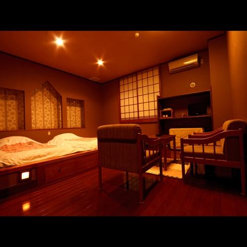 【お部屋】夜は静かでしっとり落ちつく雰囲気です