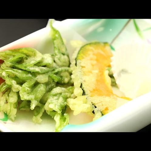 【夕食】本日は「うど・かぼちゃ」季節の天ぷら