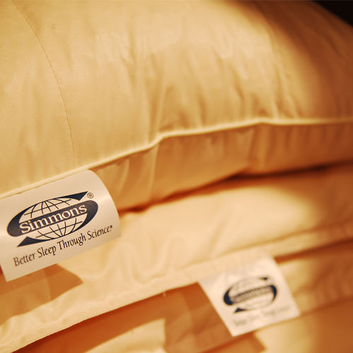 全176室に業界初『シモンズ製ベッドマット』を導入。快眠をお約束致します。(エコノミールームは除く)