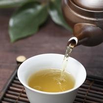 ウェルカムドリンクサービスの伊豆銘茶『ぐり茶』です。リラックス効果の高いぐり茶で癒しの時間を・・・。