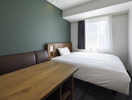 禁煙ダブルB/ベッド幅140cm/13平米/ソファ付