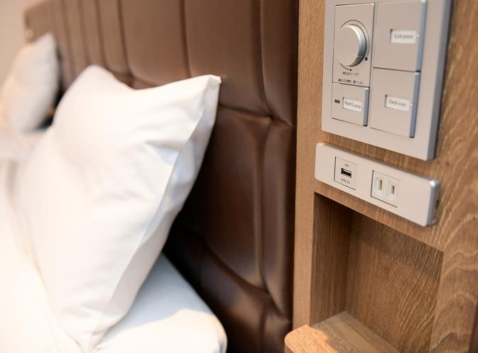 枕元にコンセント・USBポート設置!