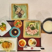 *お食事一例/しゃぶしゃぶがメインのお食事メニュー。片品の食材をご堪能ください。