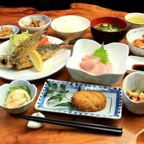 【夕食】一例 ☆屋久島の味☆地元の食材を豊富に取り入れた手作り田舎料理☆
