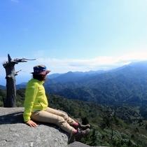 【太鼓岩】自然への畏怖さえ感じさせる雄大な景色をお楽しみください