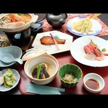 【夕食グレードアップコース】海の幸を中心に食材にこだわり抜いた旬の味覚をご賞味くださいませ。