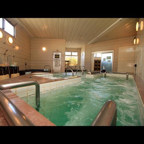 【浴場】ハイパワージェットで全身の筋肉の疲れをほぐす